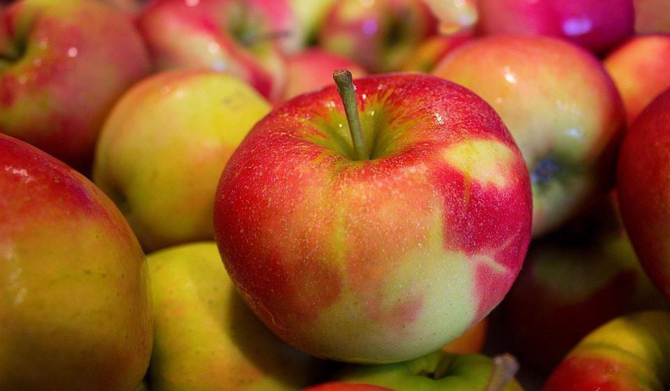 Ученые сравнили пользу от яблок разного цвета