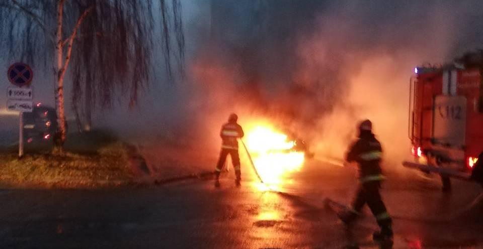 Фотофакт: В Барановичах, в Северном микрорайоне, горел автомобиль