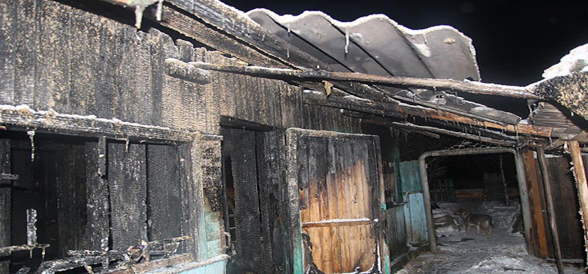Три человека погибли на пожаре в Полоцке (фотофакт)