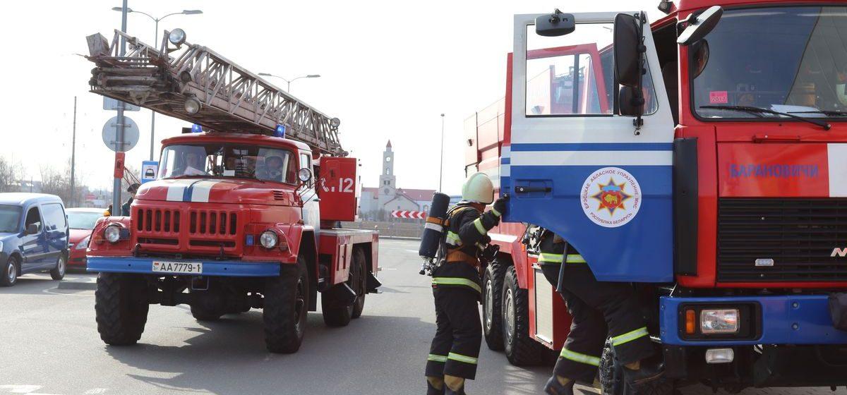Новый служебный автомобиль передали Барановичскому горрайотделу МЧС