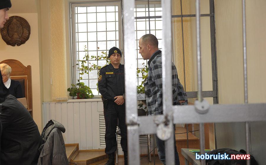 Приговоренный к расстрелу за убийство двух девушек в Бобруйске просил смягчить ему приговор