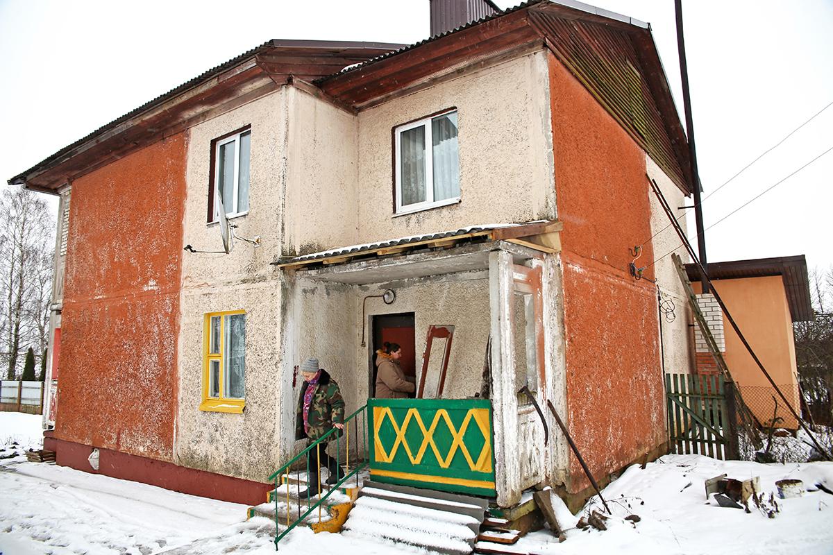 Дом, в котором Анастасии выдали арендное жилье. Фото: Евгений ТИХАНОВИЧ