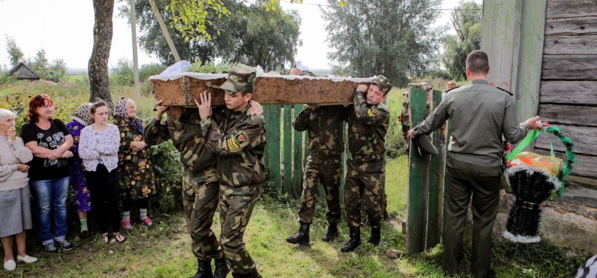 «Склонения к самоубийству не было». Следственный комитет  завершил расследование смерти солдата в слонимской части