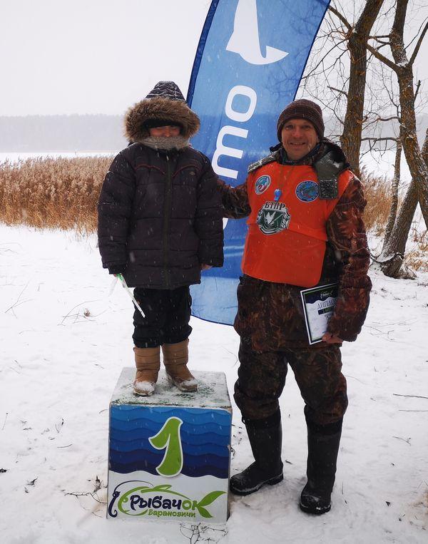 Самый юный рыболов фестиваля – Николай Клинцер из Барановичей.