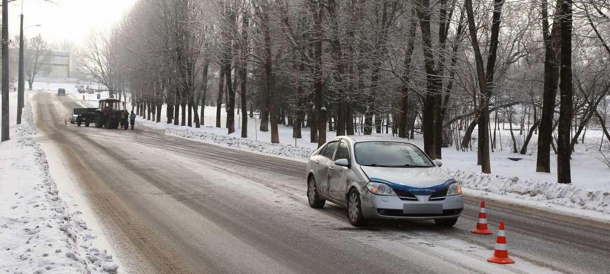 ДТП с участием трактора и «Ниссана» в Барановичах (фотофакт)