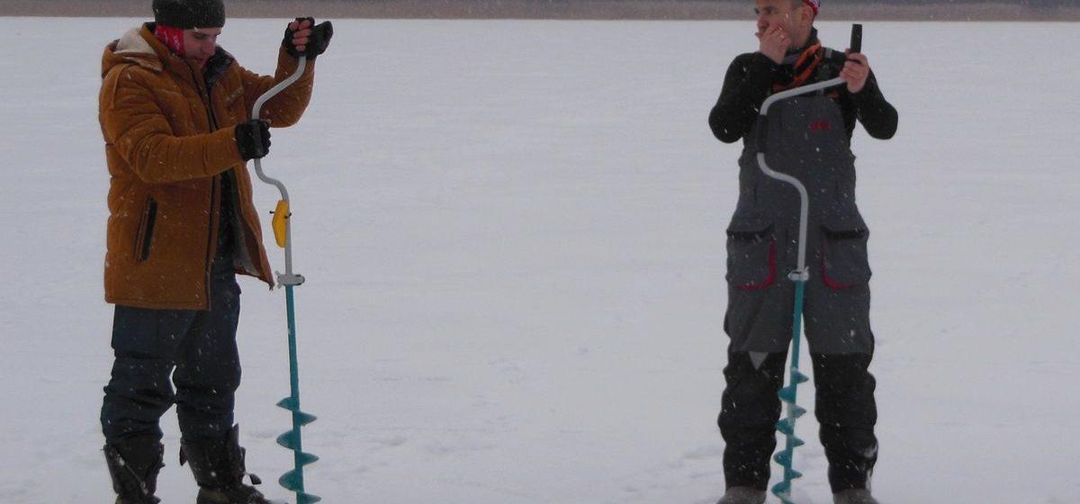 Как рыбаки со всей страны соревновались в ловле рыбы и сверлили лунки на скорость на озере Гать в Барановичском районе