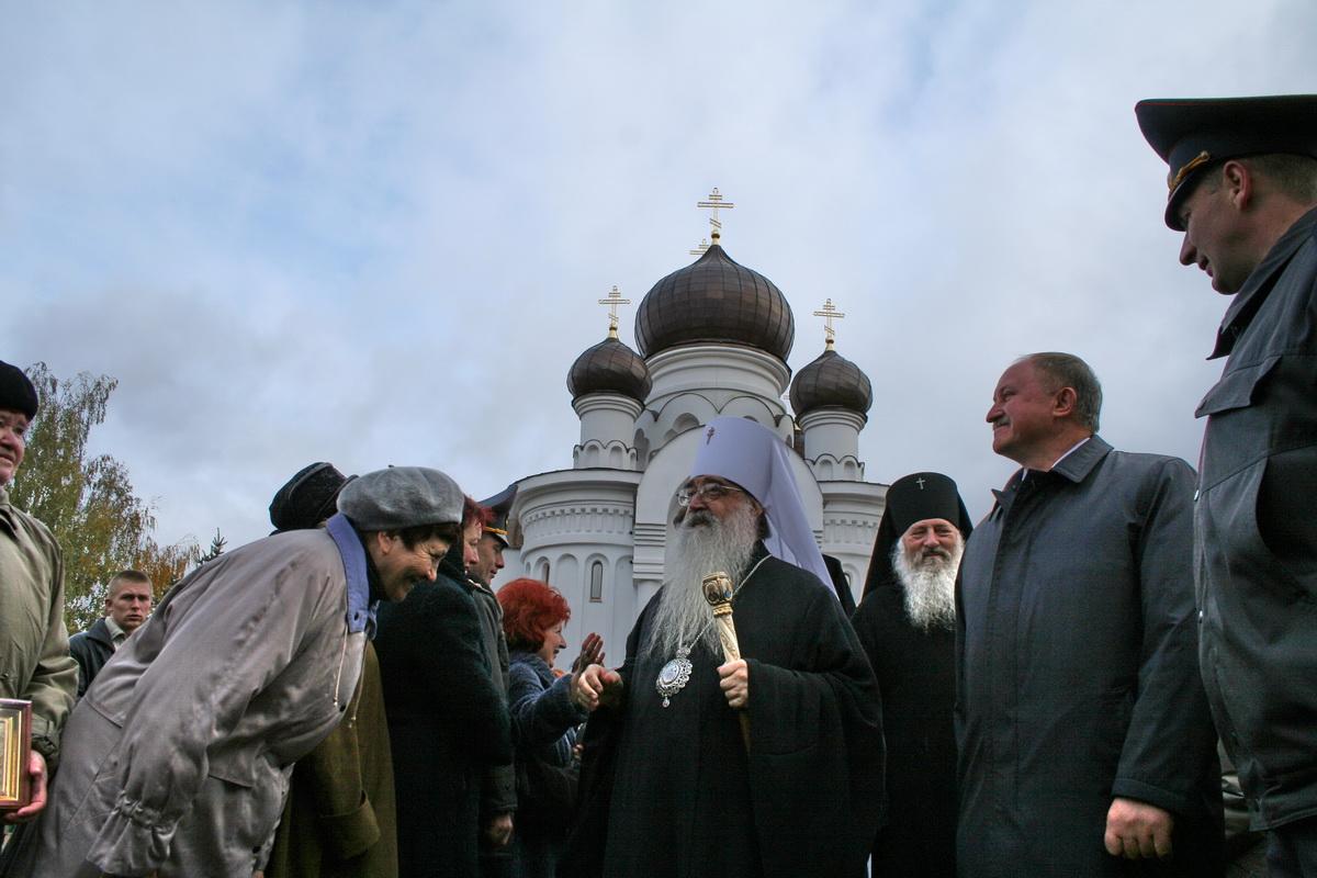 2007 год. Освящение храма святых Жен-Мироносиц.  Фото: Intex-press