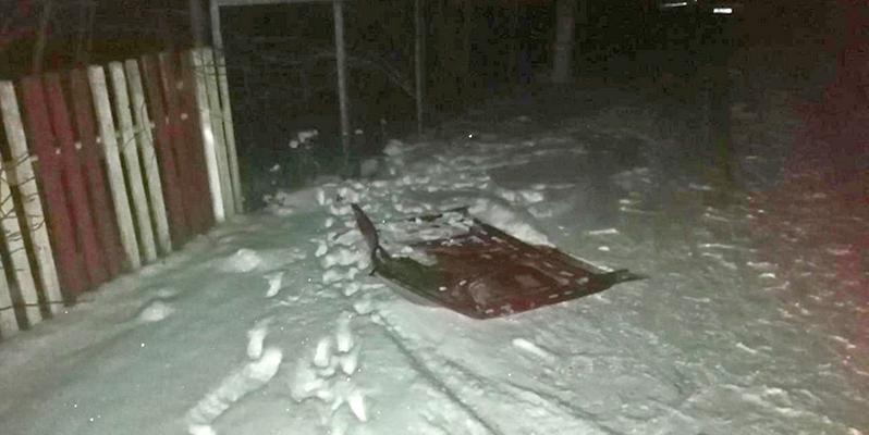 Один парень погиб, второй попал в реанимацию при катании на прикрепленных к авто «санях» в Каменецком районе