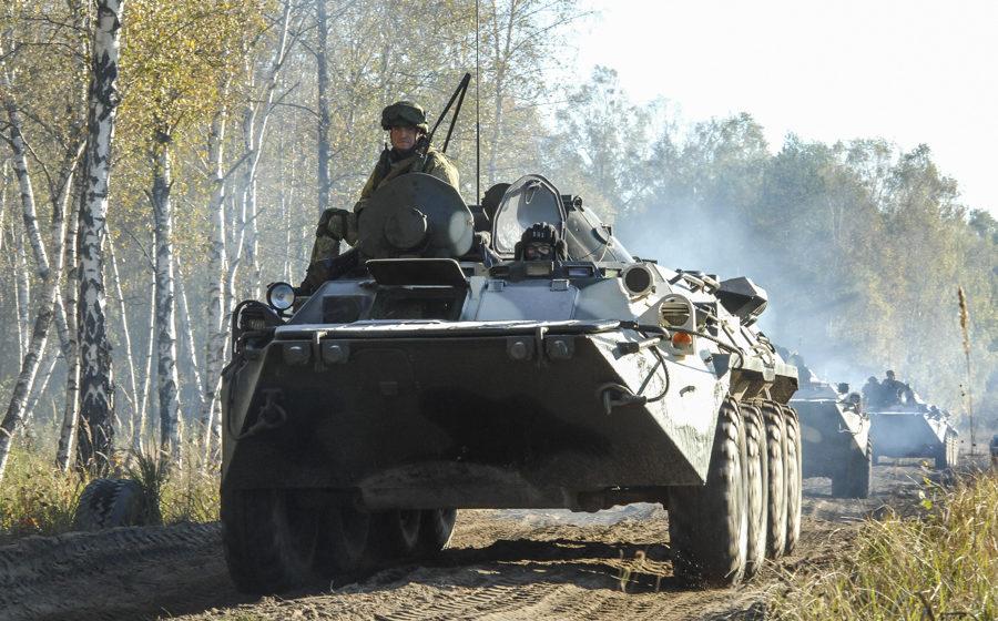 В Абхазии российский БТР сорвался в ущелье, погибли несколько военнослужащих (видео)