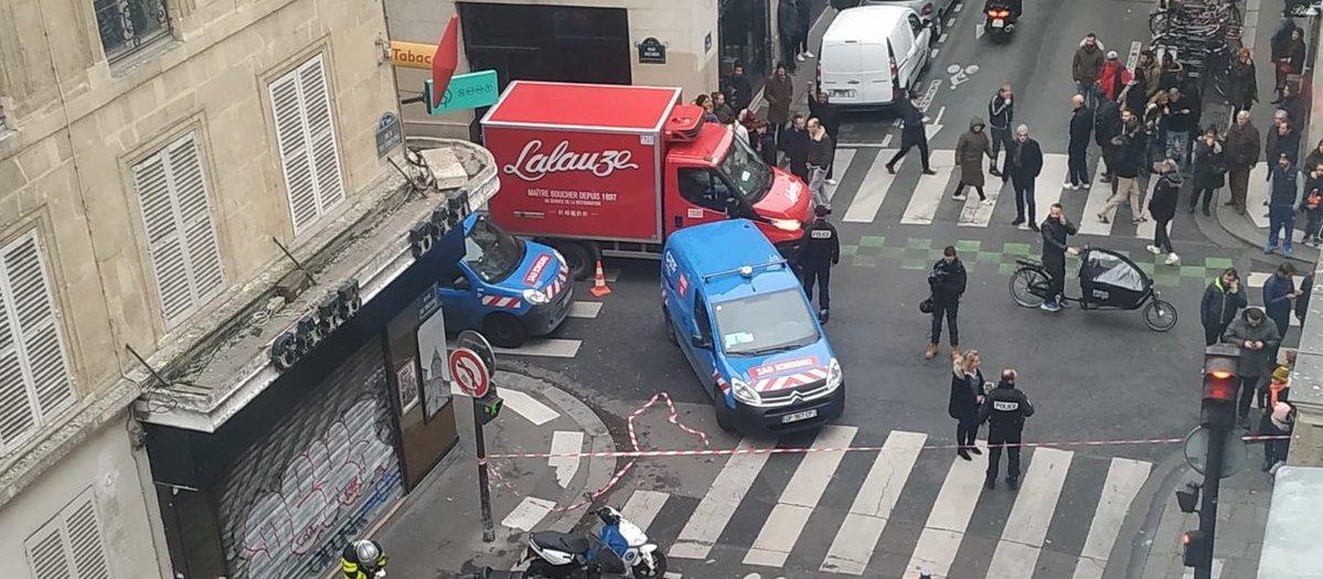 В центре Парижа прогремел взрыв, есть пострадавшие