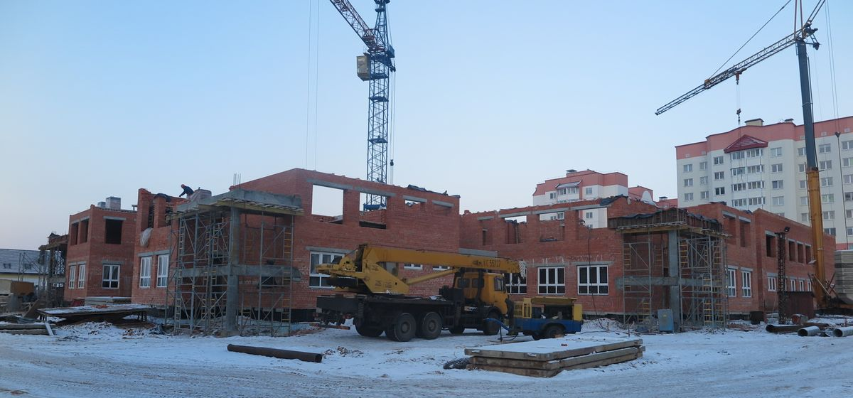 Как ведется строительство детского сада в Боровках. Фоторепортаж