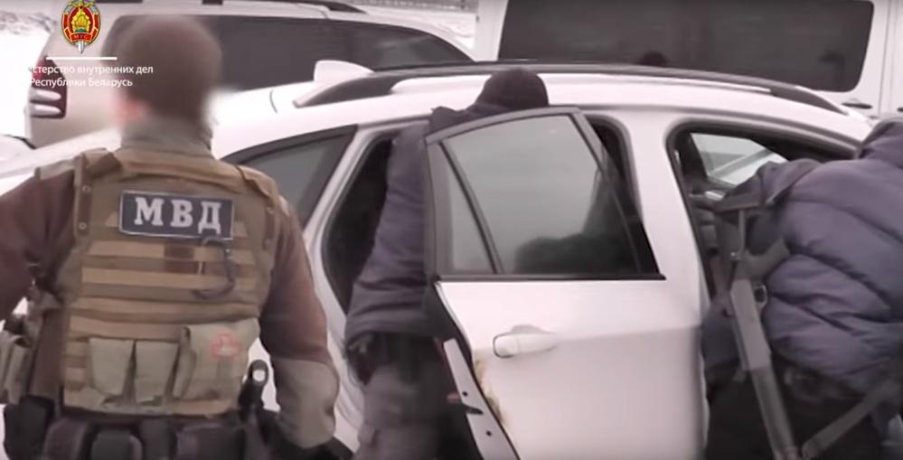 Под Ивацевичами бойцы «Алмаза» задержали наркоторговцев с крупной партией кокаина (видео)