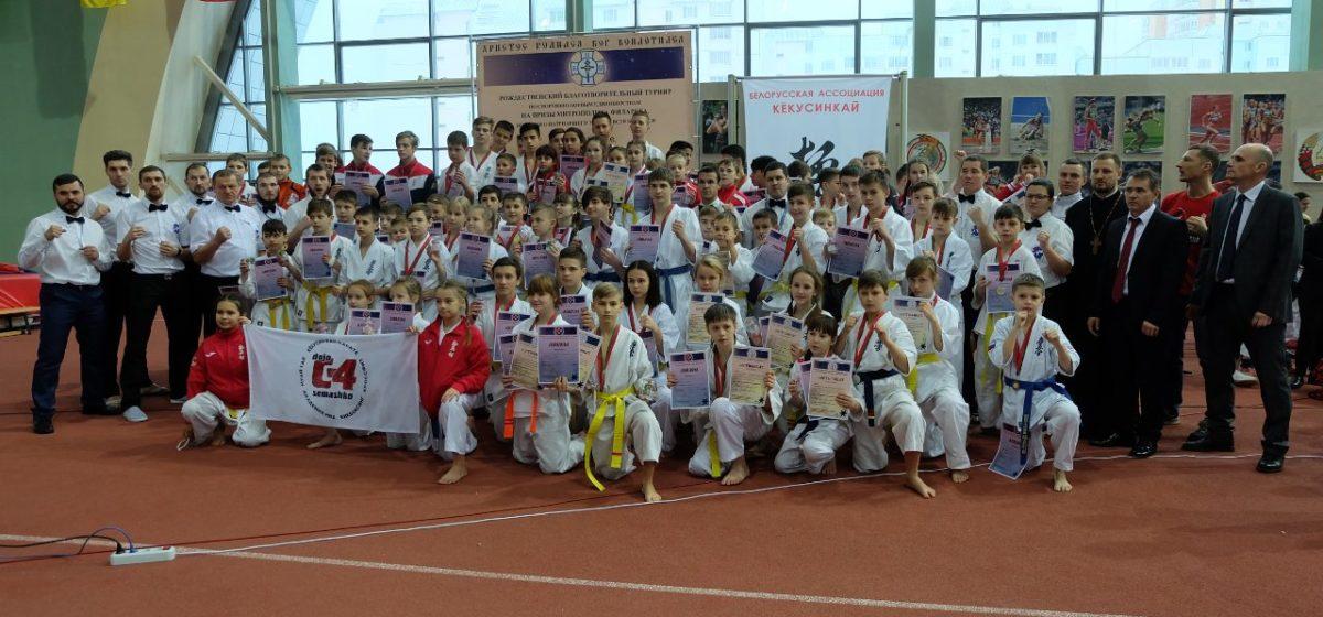 Юные барановичские каратисты привезли награды благотворительного турнира в Минске