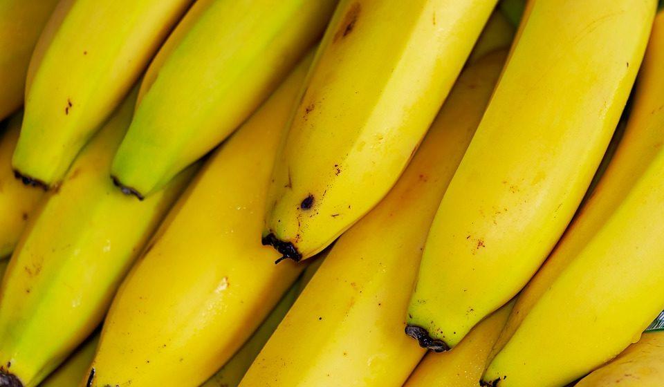 Медики рассказали, чем вредны бананы
