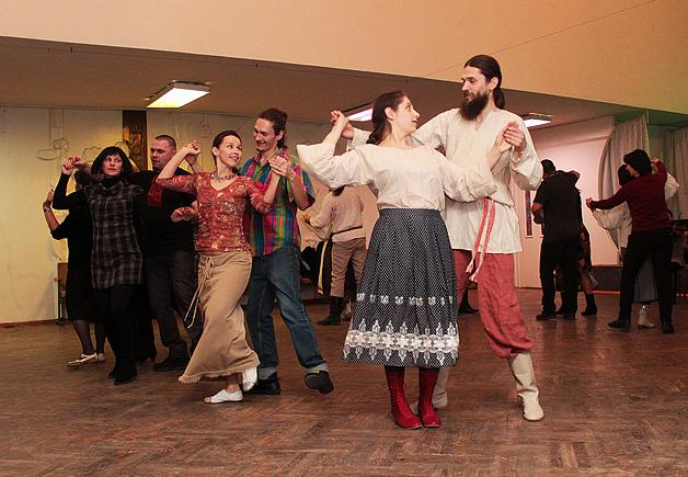 Традыцыйным беларускім танцам навучаць усіх ахвотных у Баранавічах