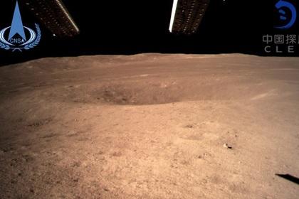 Опубликовано первое фото обратной стороны Луны