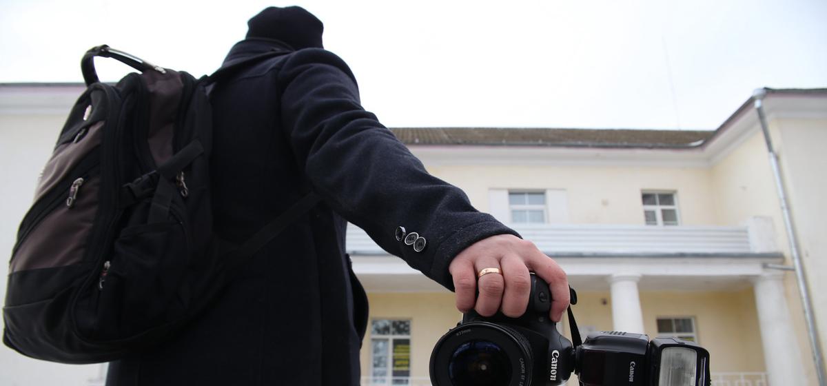 Бизнес на детях. Кому нужны фотографы, театры и прочие услуги в учреждениях образования и безопасно ли это?