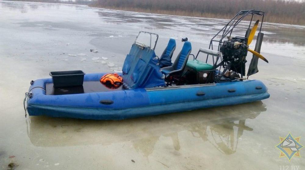 Аэросани с 11 пассажирами перевернулись на Припяти, погибли два человека