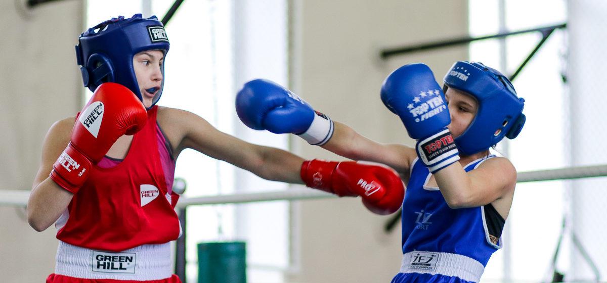 Юноши барановичской школы бокса стали победителями республиканского турнира