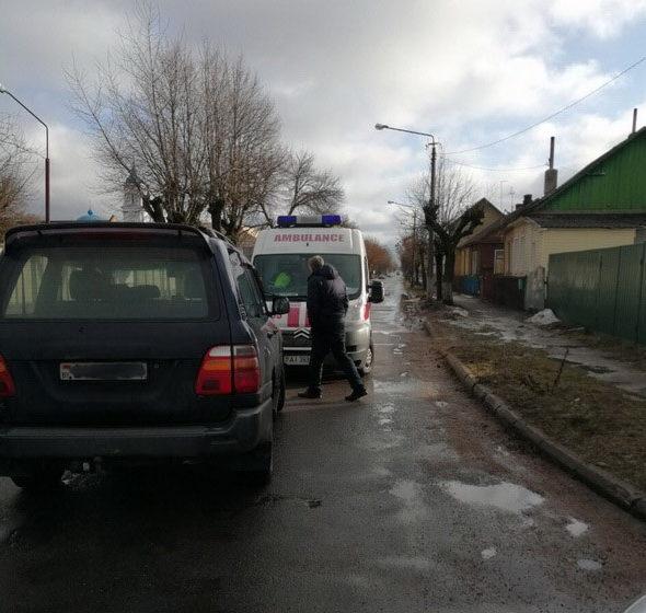 В Барановичах Toyota сбила пешехода. С тяжелыми травмами его доставили в больницу