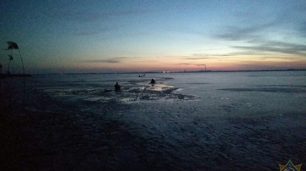 Рыбак провалился под лед в Березовском районе. Его пытались спасти друзья, в итоге один человек погиб, два пропали без вести