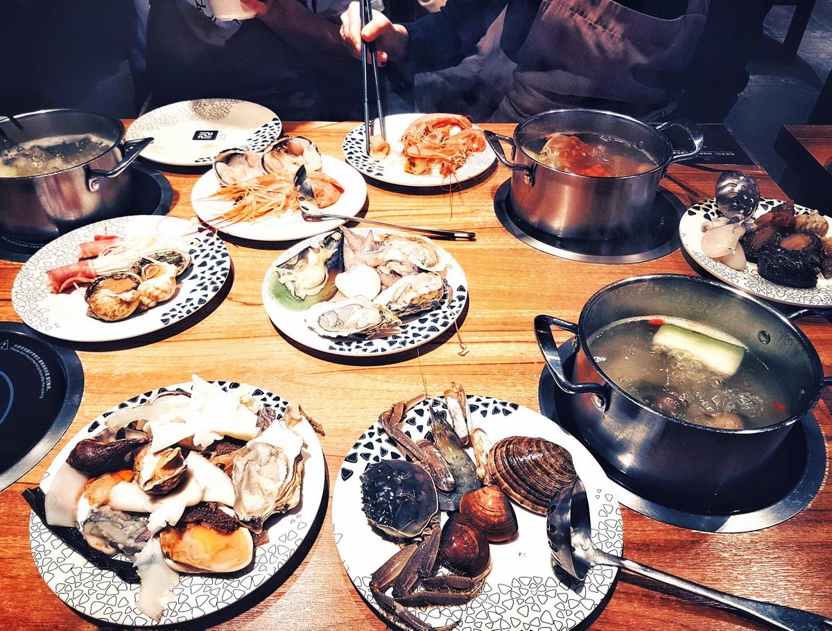 Ужин с друзьями в Hot Pot. Фото: архив Анны АВЛАС