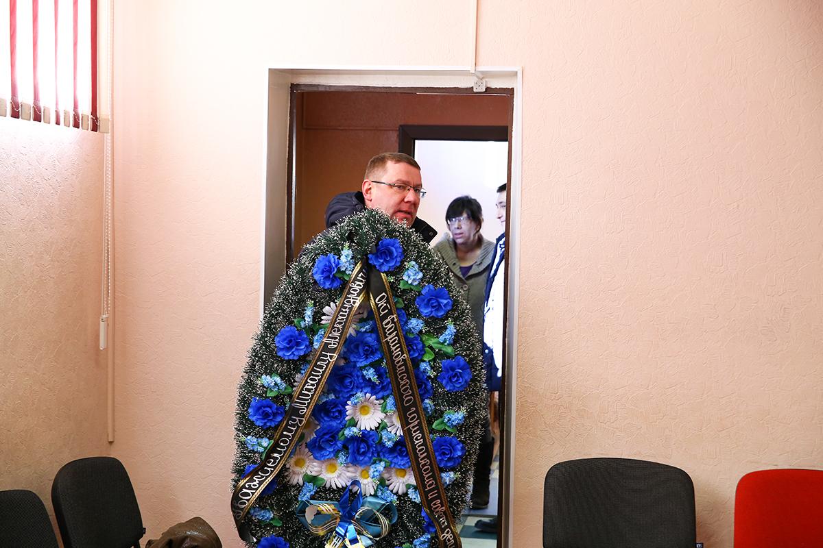 Андрей Семашко, управляющий делами Барановичского горисполкома, на церемонии прощания. Фото: Евгений ТИХАНОВИЧ