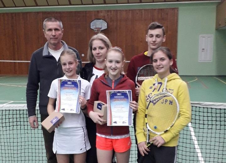 Барановичские школьницы разыграли финал Республиканского турнира по теннису