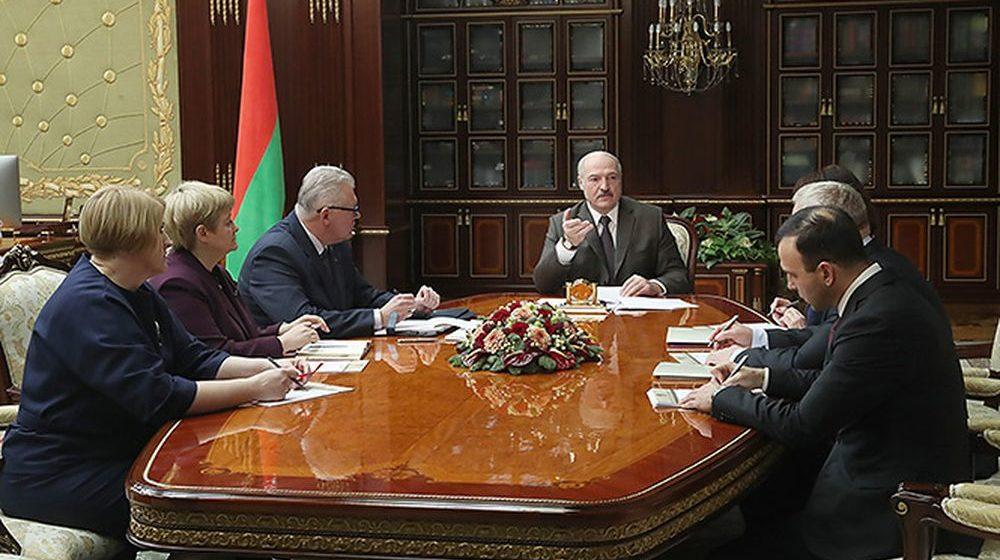 Лукашенко: Из школьных программ необходимо убирать все лишнее, а критерием будет наша жизнь, действительность