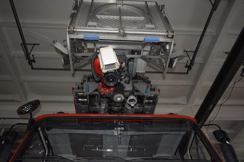 На новой автолестнице установлена видеокамера, которая станет глазами пожарных там, где человеческому глазу сложно что-то разглядеть.