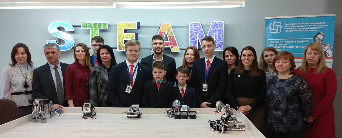 Современный класс робототехники открылся в барановичской школе