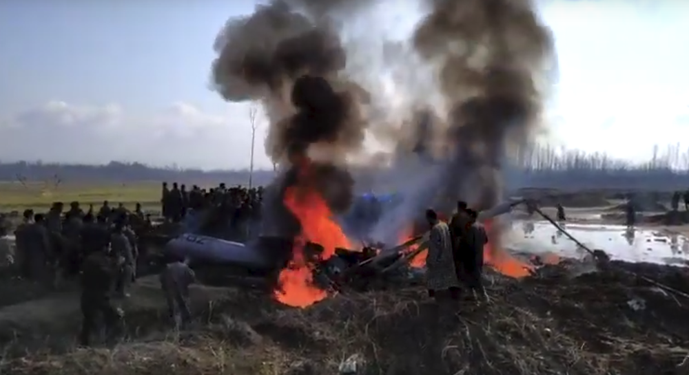 Индия нанесла авиаудары по Пакистану, сбила истребитель и потеряла два своих боевых самолета. Это война?