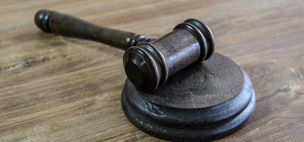 Осудили жителя Барановичей, который нанес смертельный удар ножом знакомому