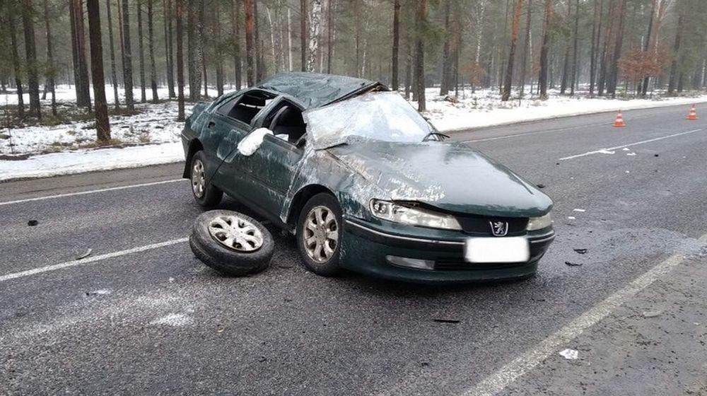 Легковушка несколько раз перевернулась в Лельчицком районе, пострадали две пассажирки