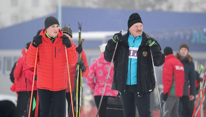 Александр Лукашенко рассказал, как заставляет чиновников заниматься спортом