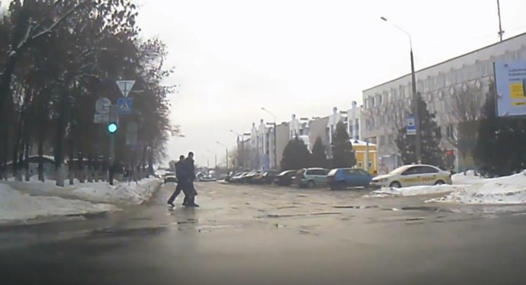 Водителя из Речицы, которого едва не оштрафовали за пешеходов, не накажут