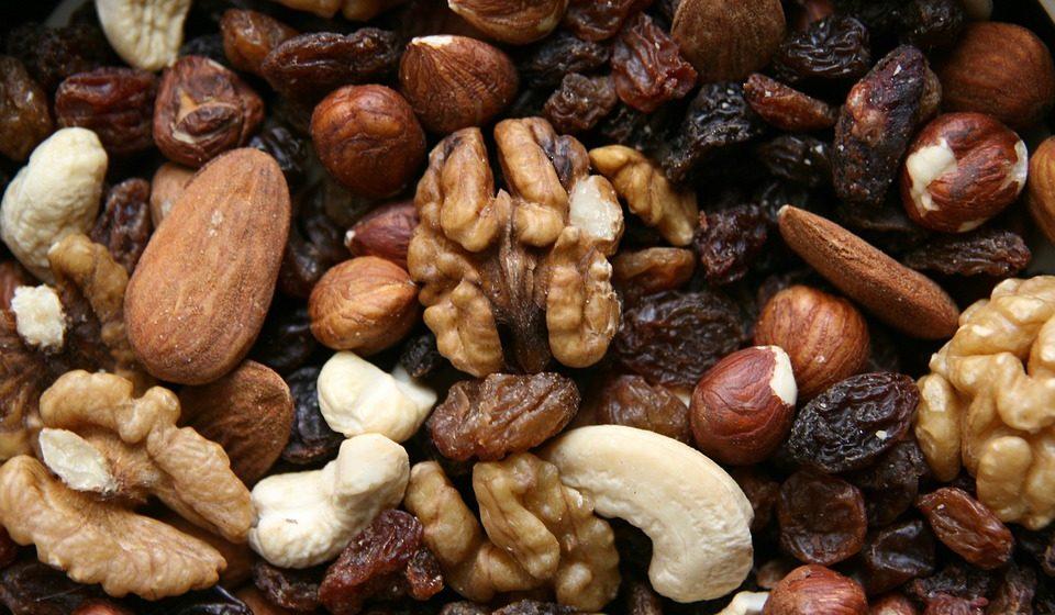 Чем вредны орехи