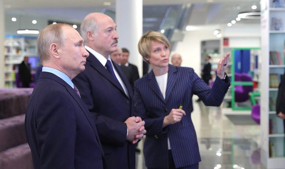 Лукашенко о переговорах с Путиным: «Не маневрами только живы люди»