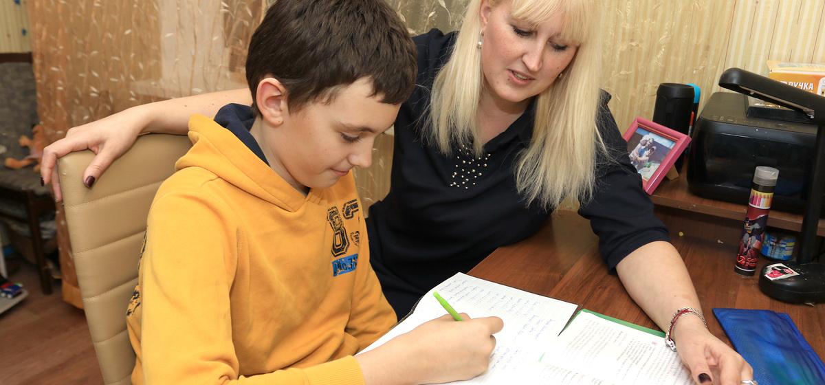 Барановичские педагог и психолог рассказали, как правильно делать уроки