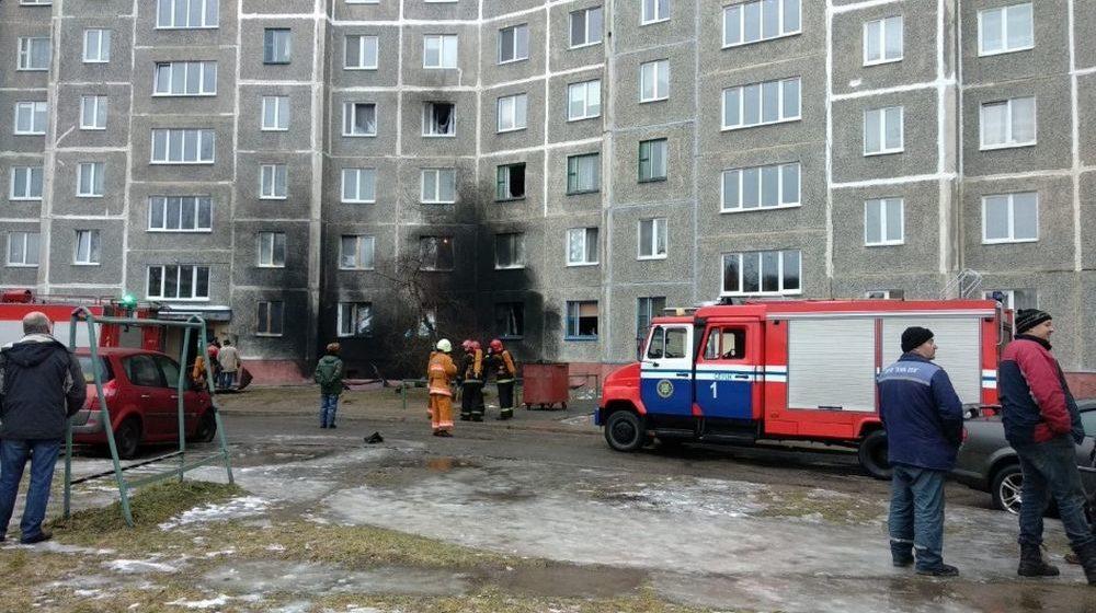 Возле жилого дома в Слуцке взорвался баллон с газом, повреждено несколько квартир (фото)