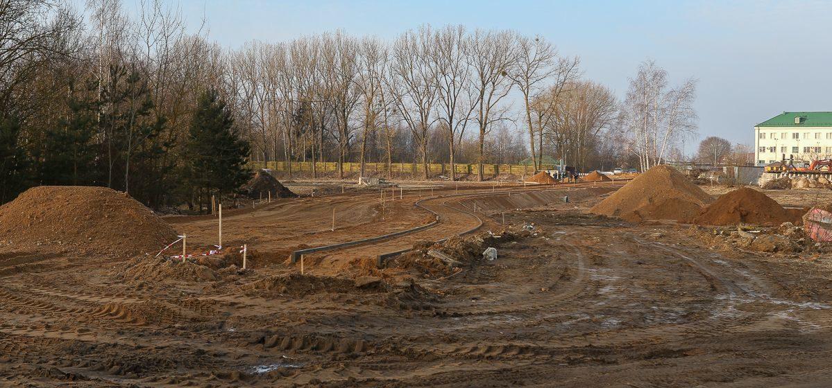 В Барановичах продолжается строительство новой дороги. Когда ее откроют?