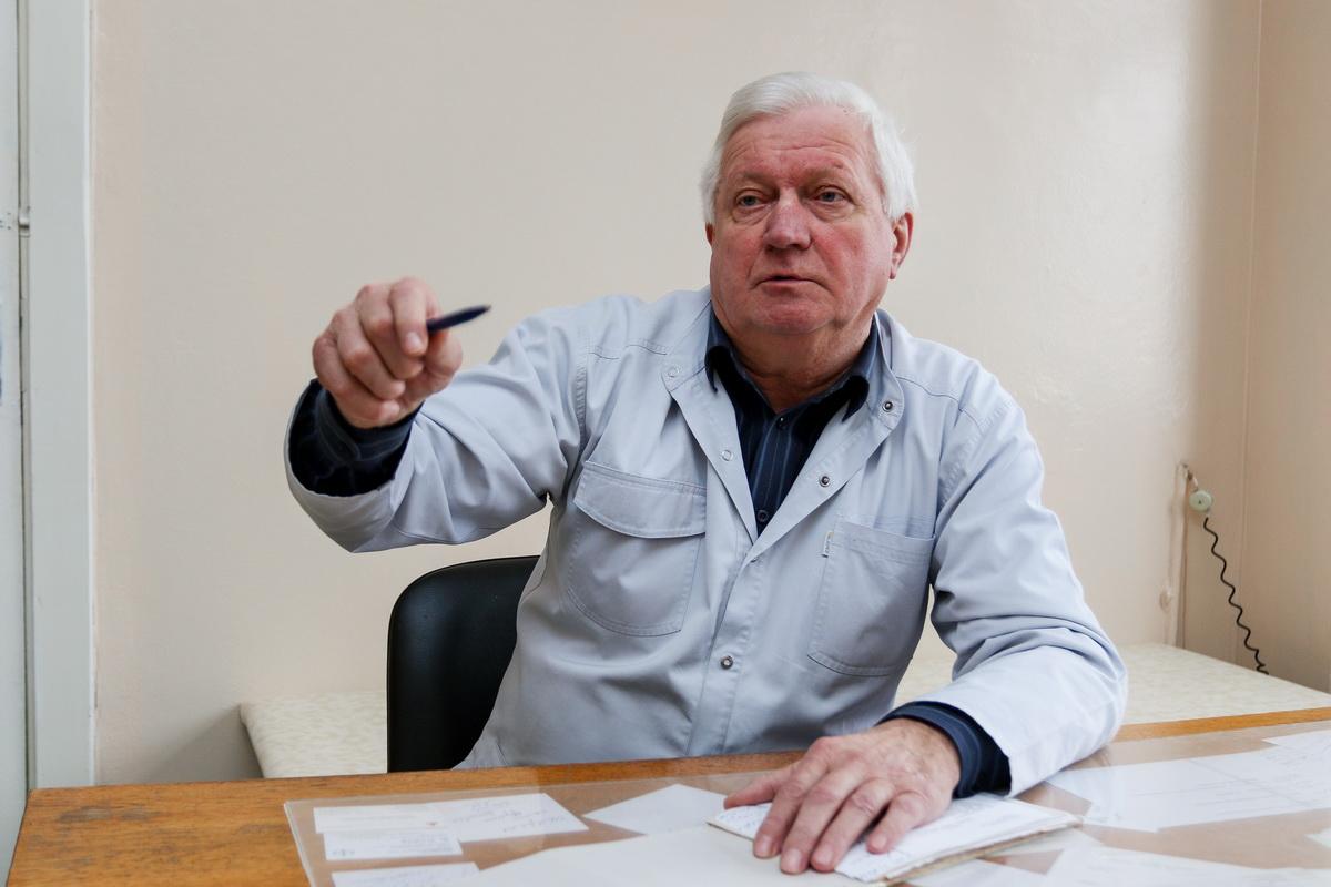 Георгий Ревенко рекомендует всем пациентам после  40 лет посещать врача-проктолога раз в год, с целью профилактики.  Фото: Александр ЧЕРНЫЙ