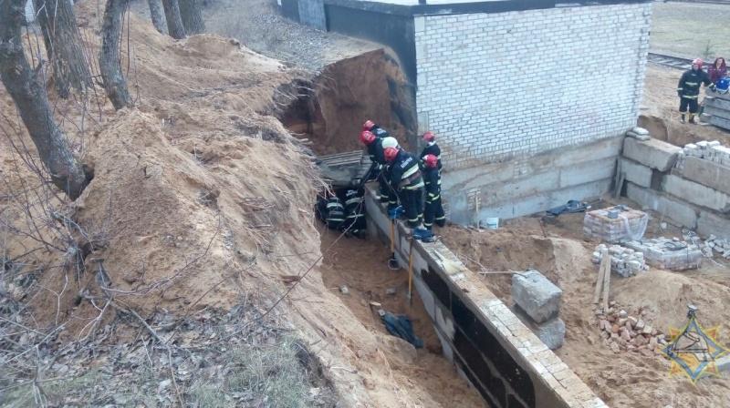 «Поезд проехал, земля осыпалась»: стали известны подробности ЧП в Северном микрорайоне Барановичей
