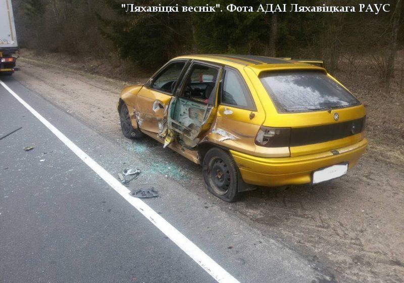 ДТП под Ляховичами: грузовик зацепил автомобиль жителя Барановичей