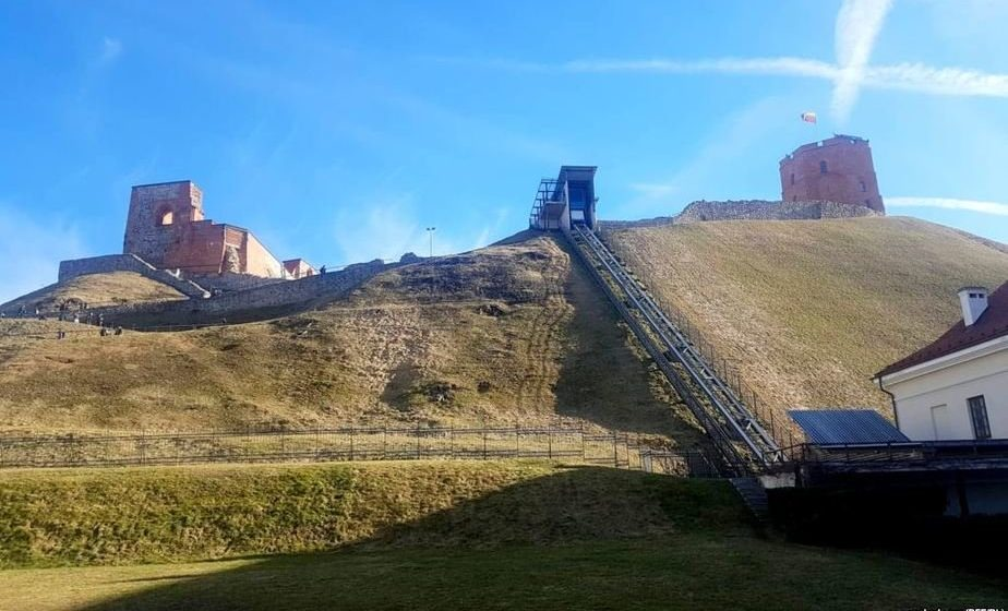 В Вильнюсе археологи показали, как российские военные похоронили Кастуся Калиновского