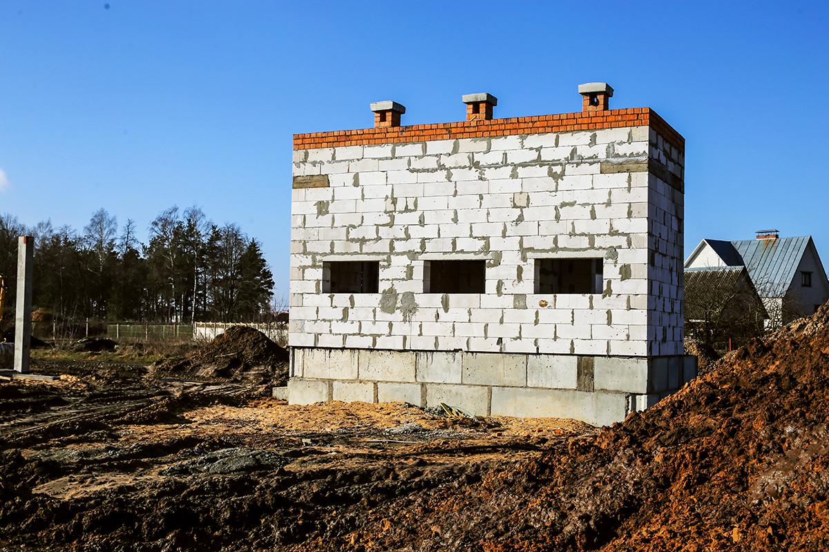 Будущие здание для хранения кислородных баллонов. Евгений ТИХАНОВИЧ