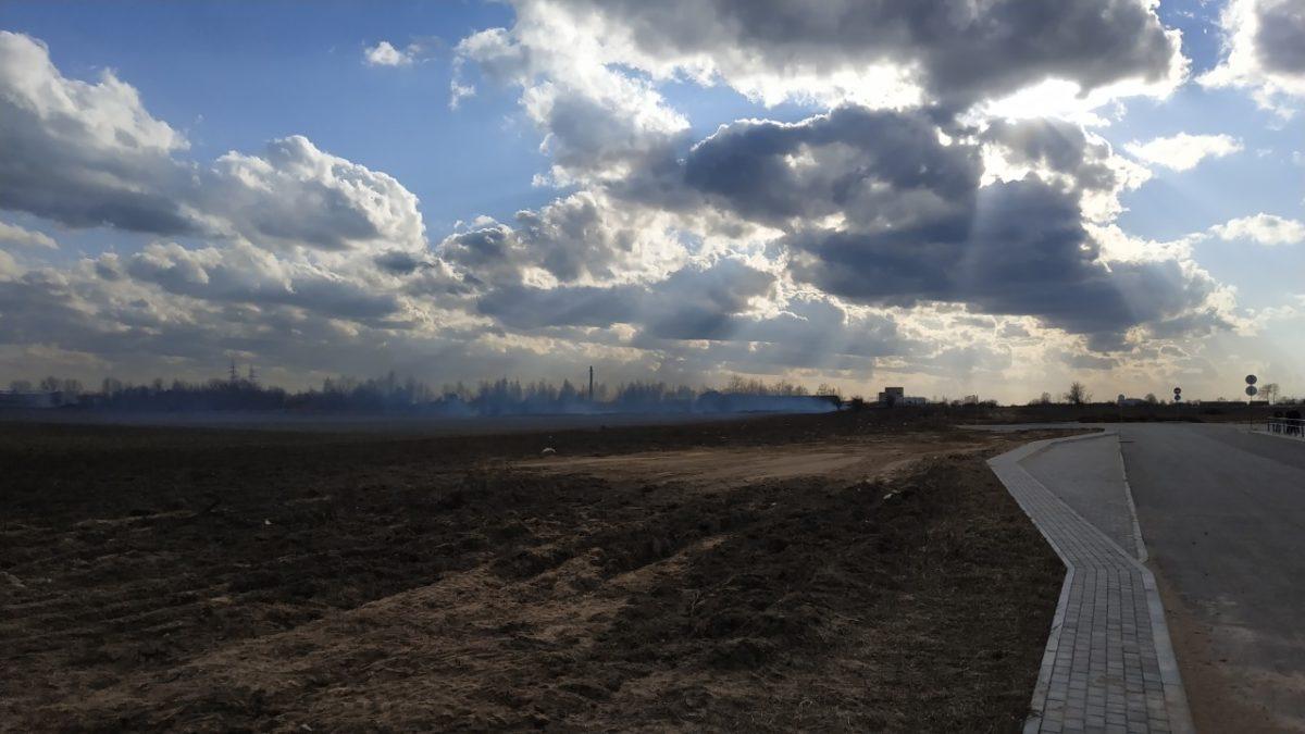 Место возгорания. Фото: Руслан РАВЯКА