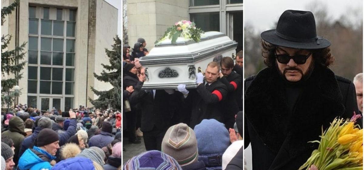 Прощание с Юлией Началовой: слезы, цветы и продолжительные аплодисменты (фото)