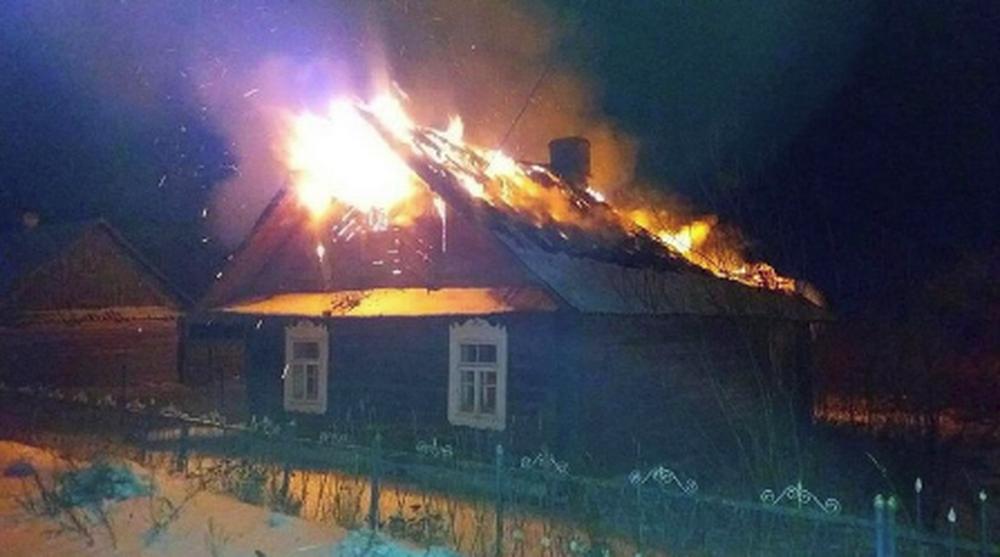 Мужчина ради 6 тысяч рублей страховки поджег свой дом в Лиде