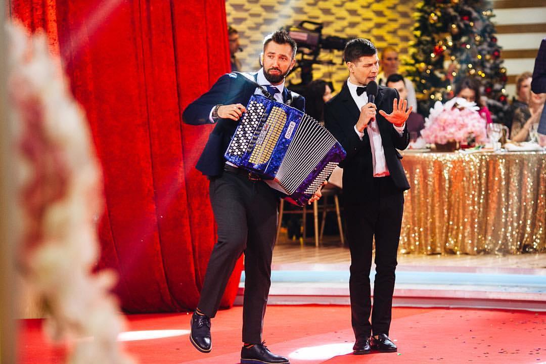 Виталий с одним из участников «Дом-2» – Дмитрием Дмитренко. Фото: https://vk.com/vitalyvoronko